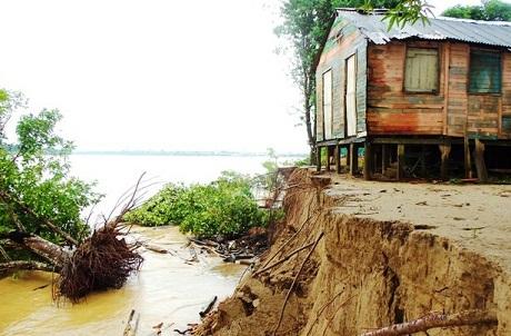 Casa ameaçada pela abertura das comportas no começo do ano. Foto: Luiz Alves Pereira Junior/Rondoniaovivo