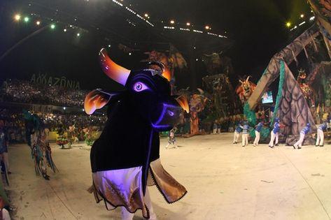 Caprichoso em sua segunda noite no Festival Folclórico de Parintins (Lucas Silva)