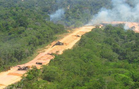 Operação destrói pista de pouso e acampamento de garimpeiros no interior de Roraima