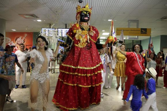 Início do carnaval em Manaus é marcado pela chegada da boneca KaméliaMário Oliveira/Divulgação Secom