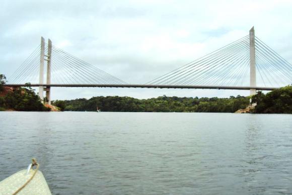 Ponte Binacional liga a cidade de Oiapoque, no norte do Amapá, a St. Georges, na Guiana Francesa - Divulgação Ministério das Cidades