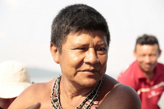 Juarez Saw, cacique da aldeia SawréMuybu, localizada no curso médio do rio Tapajós, entre os municípios de Itaituba e Trairão, no Pará.  Foto: Gonzalo H. Gaudenzi/IPS