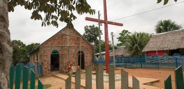 Nova igreja em obras na comunidade de Mato Grosso, frequentada por índígenas