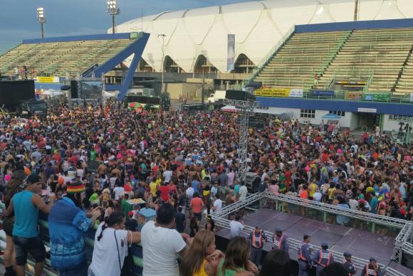 Segundo organizadores, sambódromo de Manaus deve receber até 80 mil foliõesBianca Paiva / Agência Brasil