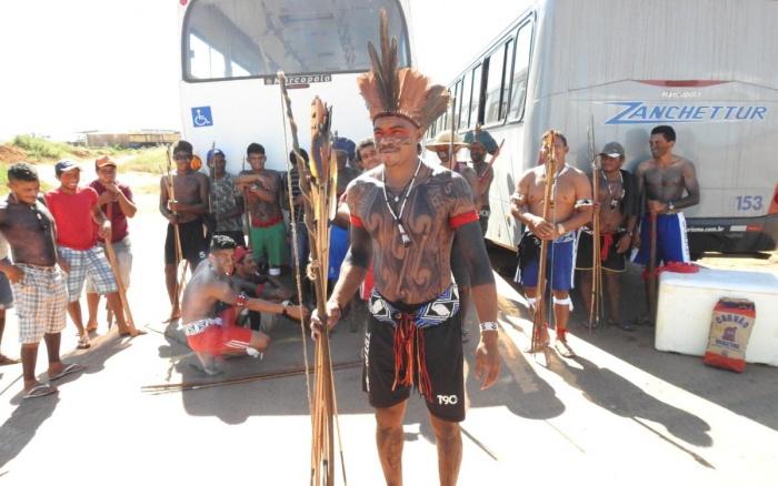 Índios Juruna dizem que vão resistir à qualquer tentativa de desbloquear a rodovia   Darlan Fredson-Agência de Notícia Cultura Show