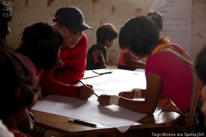 Grupo de jovens trabalha com mapeamento de recursos naturais|Tiago Moreira dos Santos-ISA