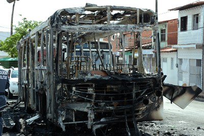 Até o momento, 16 ônibus foram alvo de tentativas de incêndio