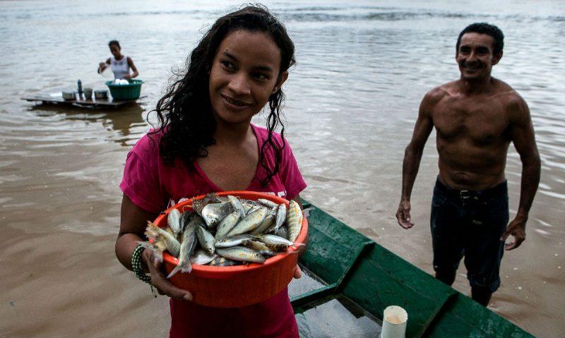 A hidrelétrica de São Luiz do Tapajós pretende remover 2.500 ribeirinhos, que dependem da pesca para sobreviver.  Foto: Lilo Clareto/Repórter Brasil