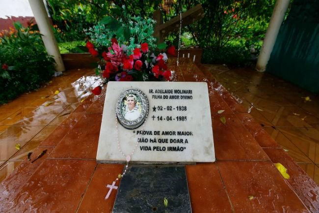 Túmulo da missionária gaúcha Adelaide Molinari, em Curionópolis, no Pará.  Ela foi morta por pistoleiros contratados por um fazendeiro na cidade vizinha de Eldorado do Carajás em 1985. Dida Sampaio / Estadão