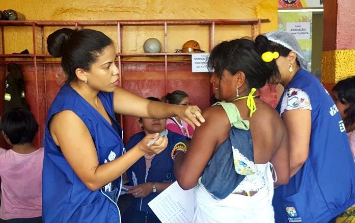 Como o governo Bolsonaro excluiu os indígenas da formulação de políticas de saúde