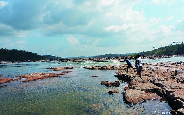 Lago de água podre e peixes doentes: conheça os impactos de megaprojetos no rio Xingu