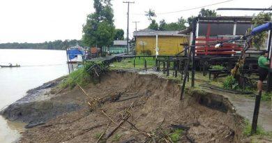 Mais de 150 casas estão em áreas com risco de erosão no Bailique, aponta Defesa Civil