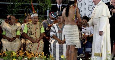 Na Amazônia peruana, Papa Francisco diz que indígenas jamais estiveram tão ameaçados