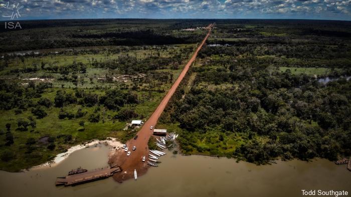 Com Ferrogrão, estrada dentro de terras indígenas pode virar rota de caminhões de soja